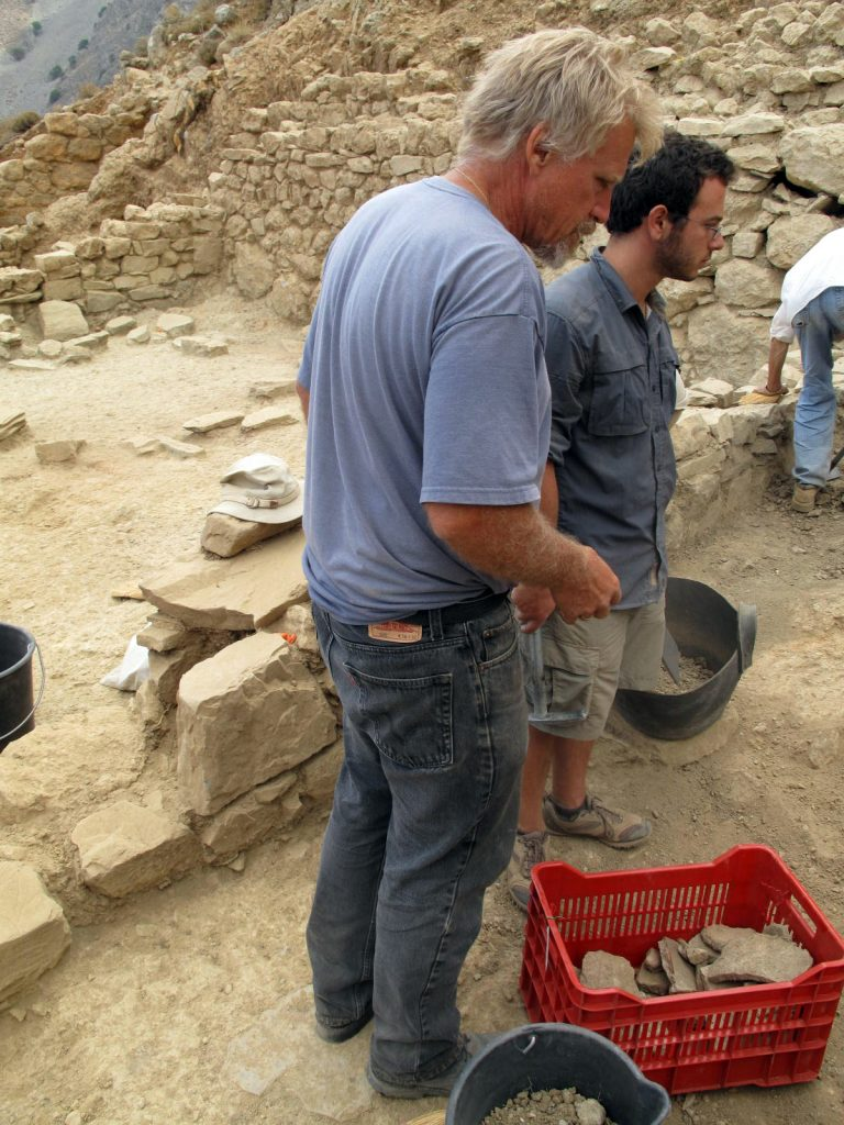 d1600-excavation-progress-azoria-crete-130718-061